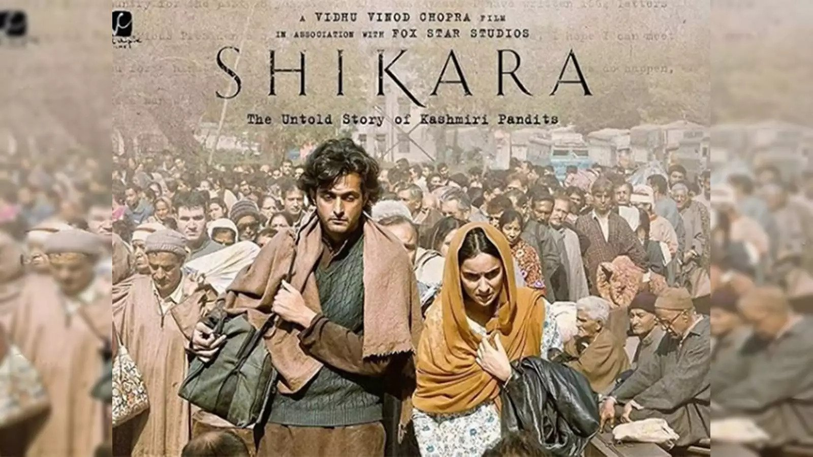 Chattar Pattar Lyrics from Shikara is Latest Hindi song sung by Mika Singh featuring Aadil Khan, Sadia and music of new song is given by Rohit Kulkarni while lyrics penned by Raqueeb Alam and video is directed by Vidhu Vinod Chopra.